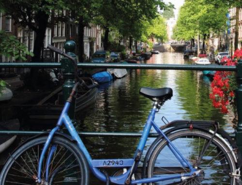 Spazio per le bici, Amsterdam elimina i parcheggi per auto